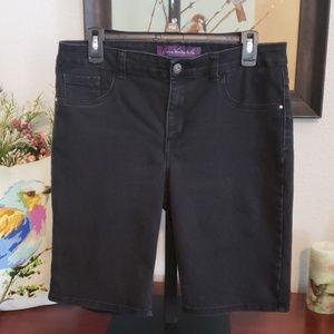 Gloria Vanderbilt Black Shorts 10